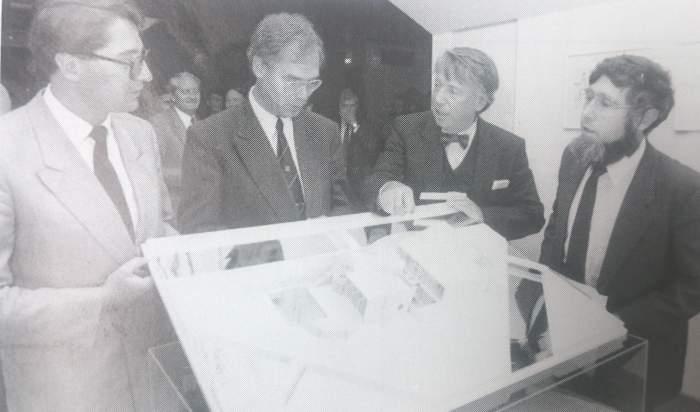 V.l.n.r. Dirk Lips, Eric van Baarsel, Cees Dam en Chriet Titulaer. Initiatiefnemers Huis van de Toekomst