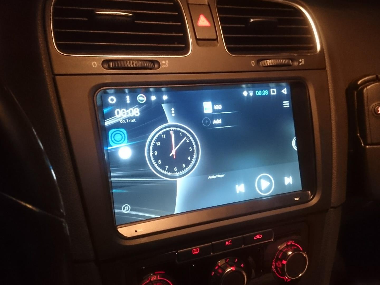 Wat gebeurt er wanneer je Androids met auto's combineert?